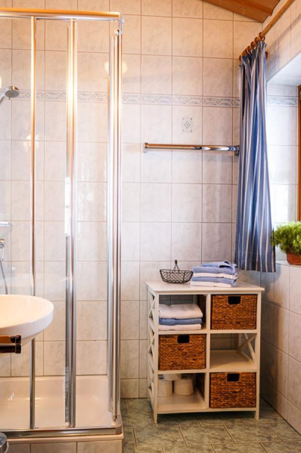 ferienwohnung schmetterling 50m 2 4 personen proneben gut. Black Bedroom Furniture Sets. Home Design Ideas