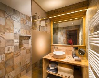 Eigenes Badezimmer bei Schlafzimmer1, Chalet