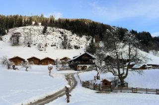 Winterpanorama Proneben Gut & Kuschelhütten