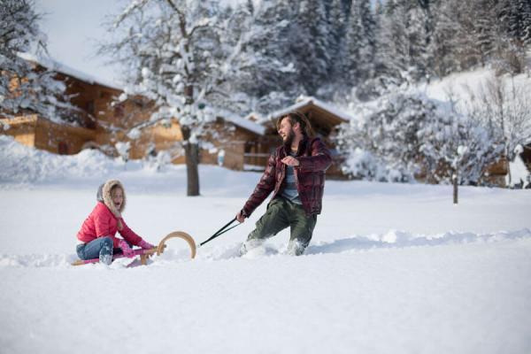 Familien Winterurlaub im Schnee, PRONEBEN GUT, Kuschelhütten Chalets & Erlebnisbauernhof