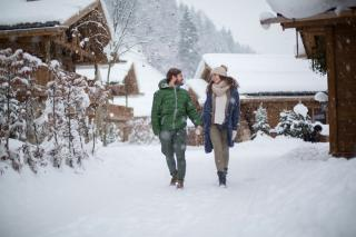 Zu zweit im Schnee, Luxus Chalets Proneben Gut, Salzburg