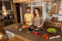 Gemeinsam kochen, Kuschelhütten Chalets Österreich