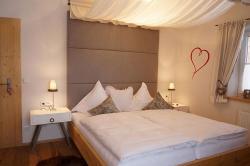Himmelbett Schlafzimmer - Ferienwohnung Apfelbaum