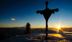Abendstimmung beim Gipfelkreuz Hochkeil