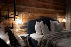 Schlafzimmer mit Klavier